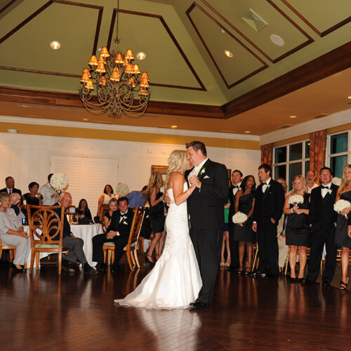 Casual Elegance At Lakeside Hideaway: Wedding Reception & Ceremony Venues